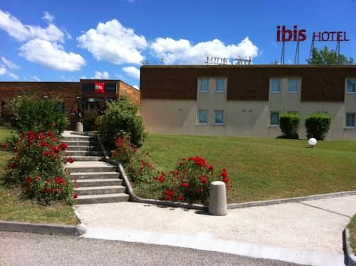 Ibis Lyon L'isle d'Abeau : Hotel near Artas