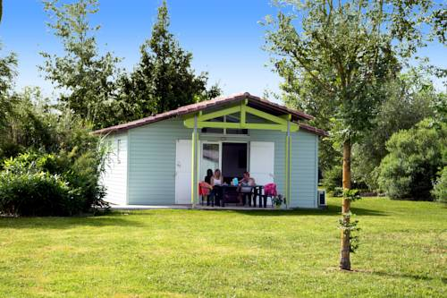 Grand Bleu Vacances – Résidence Port Lalande : Guest accommodation near Sainte-Livrade-sur-Lot