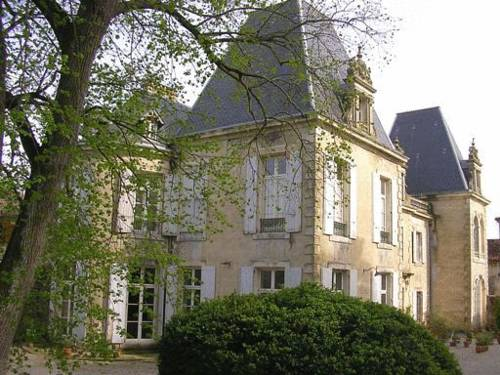Chateau de Saint-Michel de Lanes : Bed and Breakfast near Renneville