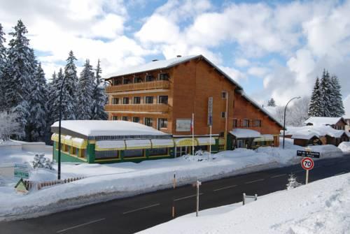 Hôtel De La Couronne : Hotel near Mijoux