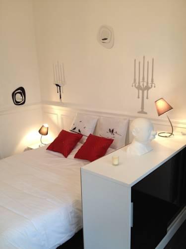 Résidences Régina et Parc : Apartment near Saint-Rémy-en-Rollat