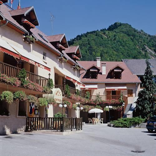 Annexe de L'Hotel de la Poste : Hotel near Ambel