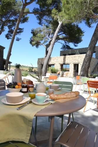 Villa Symposia : Bed and Breakfast near Adissan