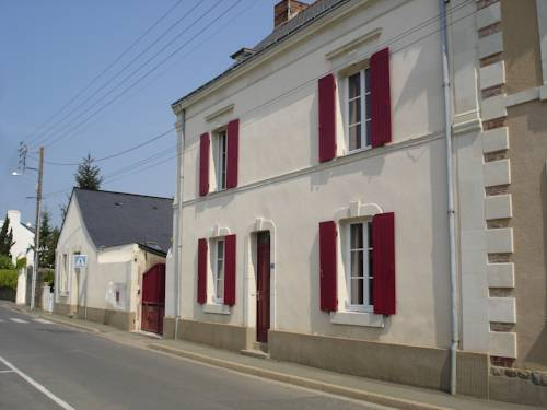 L'Aubinoise : Bed and Breakfast near Saint-Aubin-de-Luigné