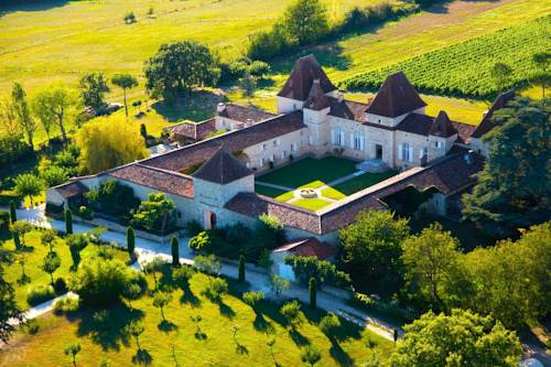 Château de Mazelières : Bed and Breakfast near Nérac