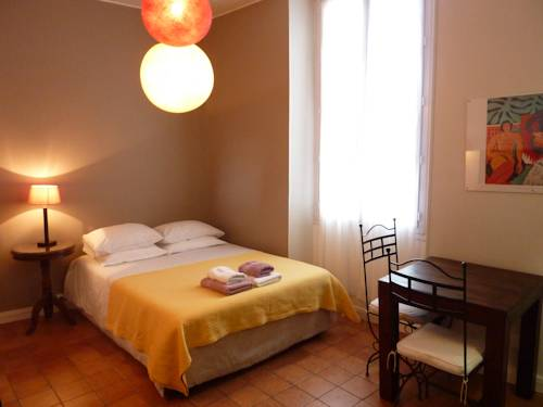 Studios Floreal : Guest accommodation near Nice
