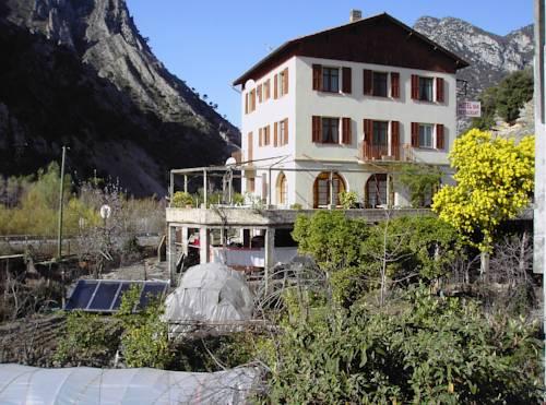 Hôtel Restaurant des 2 Vallées : Hotel near La Roquette-sur-Var
