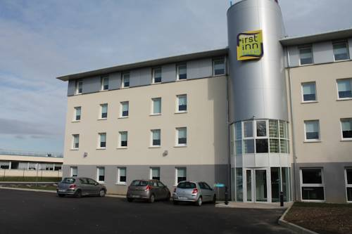 First Inn Hotel Paris Sud Les Ulis : Hotel near Villejust