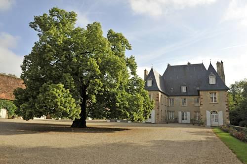 Château du Riau : Bed and Breakfast near Montilly