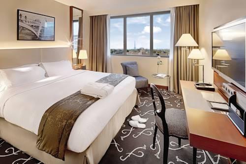 Mövenpick Hotel Paris Neuilly : Hotel near Courbevoie