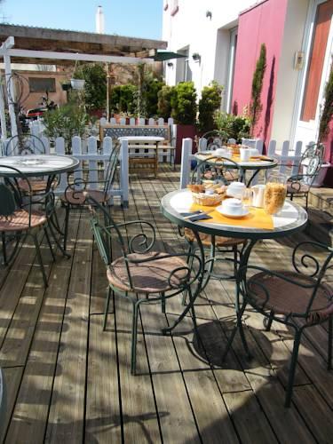 hotel villedoux hotels near villedoux 17230 france. Black Bedroom Furniture Sets. Home Design Ideas
