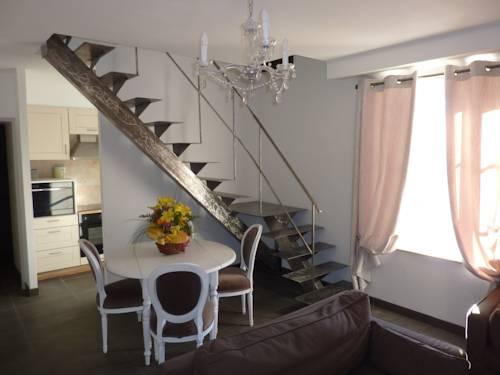 Holiday Home & Spa - Le Rendez Vous de Vauban : Guest accommodation near Eygliers