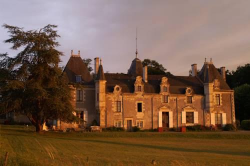 Château de la Giraudière entre Angers et Saumur : Bed and Breakfast near Charcé-Saint-Ellier-sur-Aubance