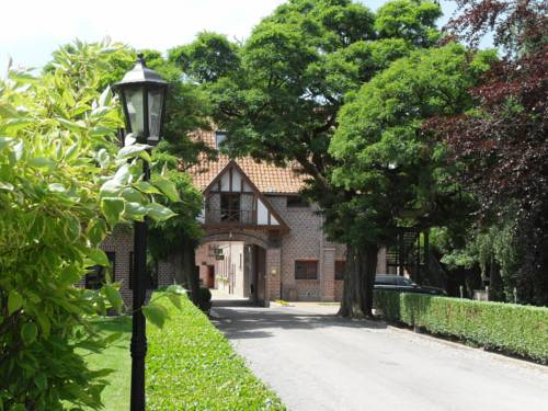 Le Domaine des Cigognes : Hotel near Pont-à-Marcq