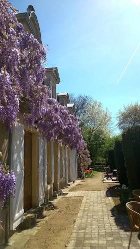 Hotel La Croix De Vernuche : Hotel near Saint-Martin-d'Heuille