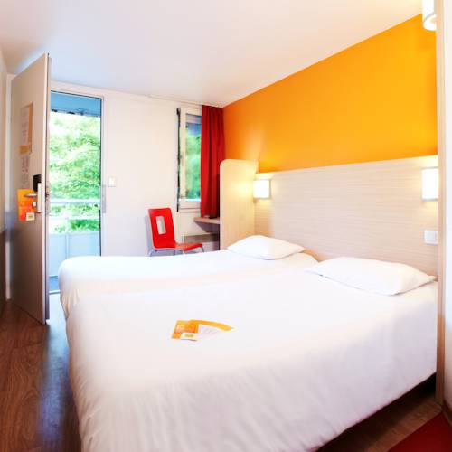 Premiere Classe Lille Nord Roncq : Hotel near Tourcoing