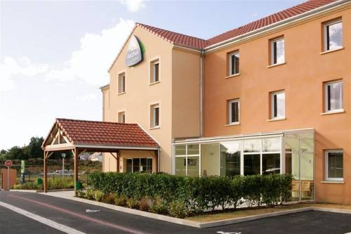Hôtel Akena City Caudry : Hotel near Molain