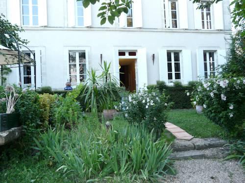 Clos des Saveurs : Bed and Breakfast near Saint-Seurin-de-Prats