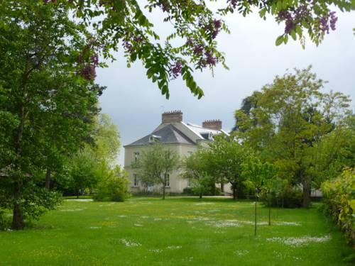 Cèdre et Charme : Bed and Breakfast near Cormery