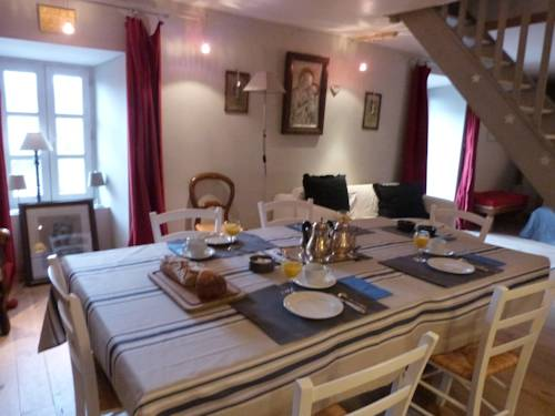 La Maison Bleue : Guest accommodation near Saint-Sever-du-Moustier