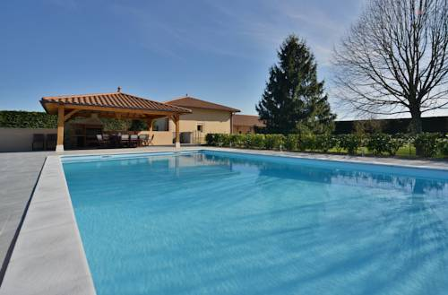 Domaine de la Garde : Bed and Breakfast near Marsonnas