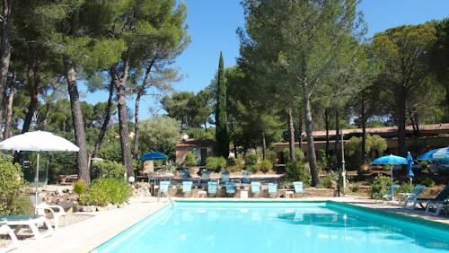 hotel le beausset hotels near le beausset 83330 france. Black Bedroom Furniture Sets. Home Design Ideas