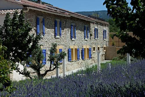La roque sur pernes map of la roque sur pernes 84210 france for Restaurant le beaucet