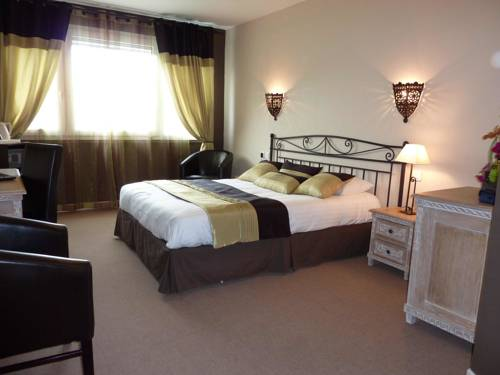 Brit Hotel Olympia : Hotel near Bourges