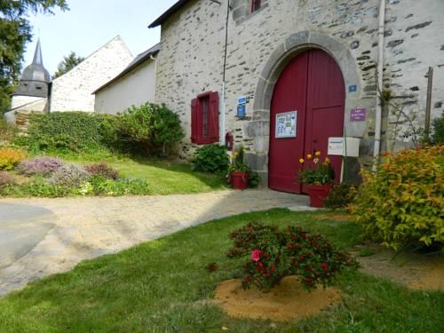Les Logis de Ste Croix : Bed and Breakfast near Billio