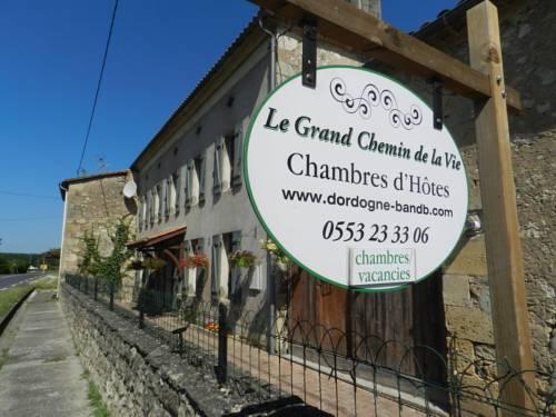 Le Grand Chemin de La Vie : Bed and Breakfast near Bonneville-et-Saint-Avit-de-Fumadières
