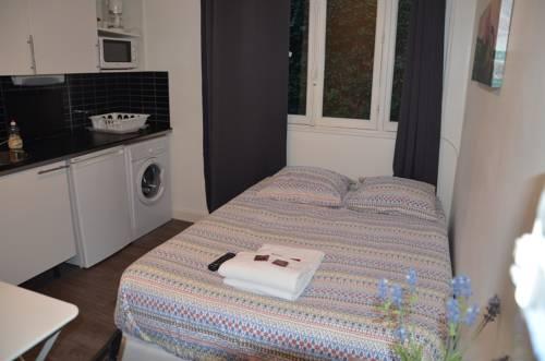 Hotel Studios Phenicio Porte de Versailles : Guest accommodation near Malakoff