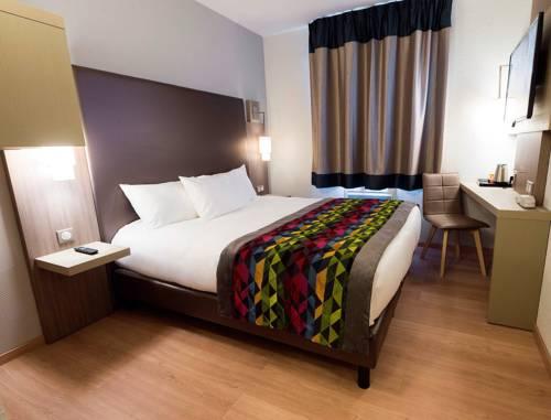 Hotel Kyriad Saint Quentin : Hotel near Savy
