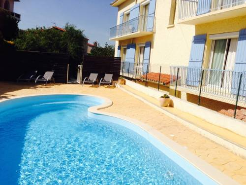 Hotel ceret hotels near c ret 66400 france Hotels in perpignan with swimming pool