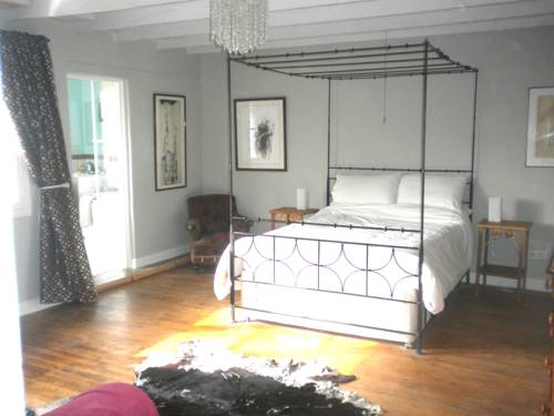 Rue de la Fontaine : Bed and Breakfast near Plaisance