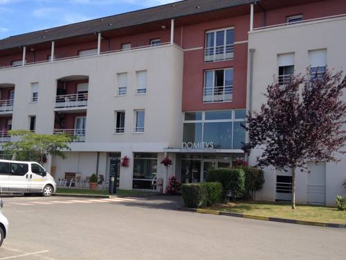 Domitys Le Village : Guest accommodation near Vierzon