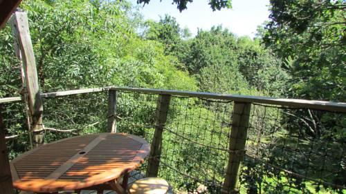 Caval'ys - La Cabane des fées : Bed and Breakfast near Crozon