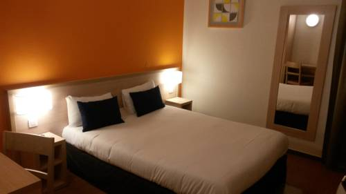 Budget Hotel - Melun Sud Dammarie Les Lys : Hotel near Le Coudray-Montceaux