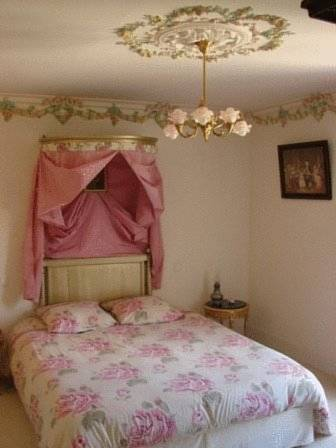 Chateau de la Marjolaine : Bed and Breakfast near Charly-sur-Marne