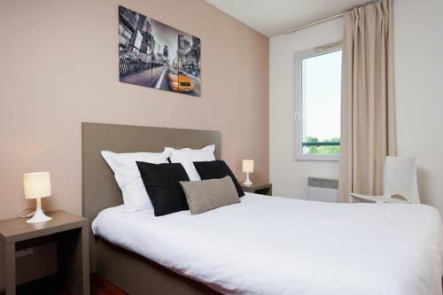 Teneo Apparthotel Talence : Guest accommodation near Pessac