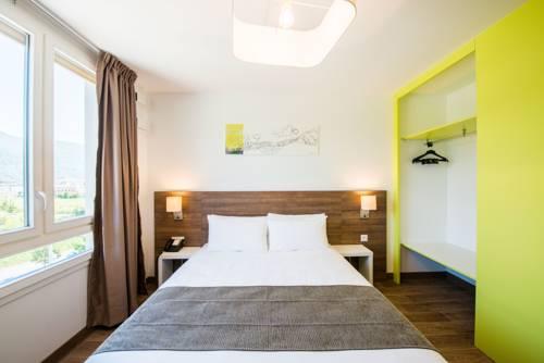 Comfort Suites Universités Grenoble Est : Hotel near Saint-Martin-d'Hères