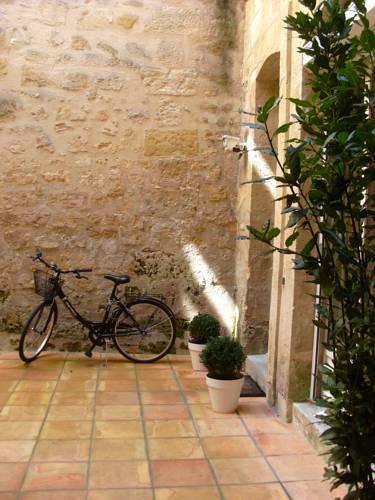 T1 Bis de Caractère : Apartment near Cenon