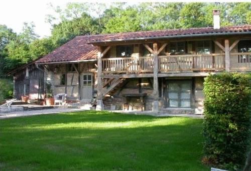La Ferme de Marie Eugénie : Guest accommodation near Flacey-en-Bresse
