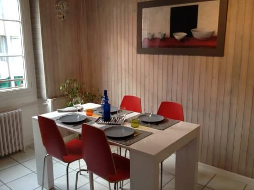 Appartement LE-27 : Apartment near Pougny