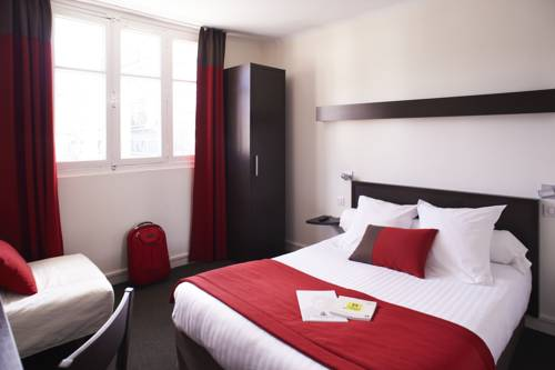 Logis Hotel Chateaubriand : Hotel near Nantes