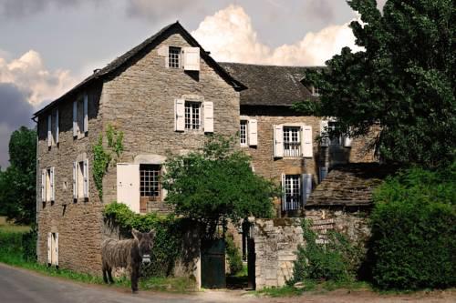 Maison d'Hôtes La Singulière : Bed and Breakfast near Sévérac-le-Château