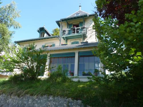 B&B Domaine de la Sauge : Bed and Breakfast near Voissant