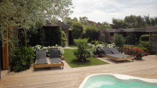 Lodges Timazen : Guest accommodation near Aubiac