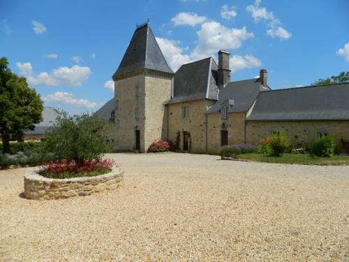 Chateau de Larre : Bed and Breakfast near Badefols-d'Ans