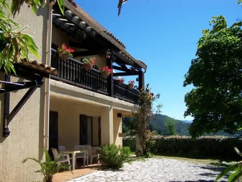 Les Rosiers : Hotel near Gard
