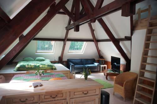 Apartment Maison du Rocher Fontainebleau : Apartment near Tousson